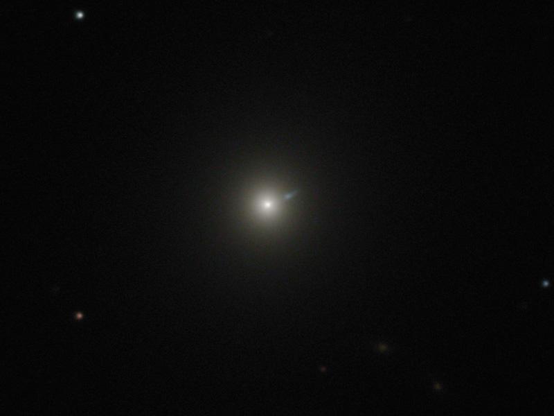 m87-800c.jpg