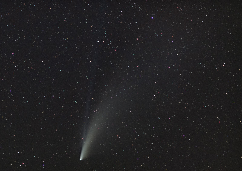 neowise-85-mm-stack-800w.jpg